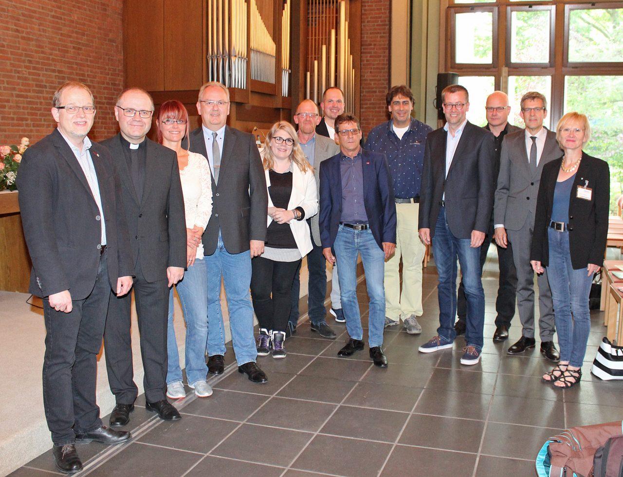 Besucher Im Lukaszentrum: Sie Beteiligten Sich Rege An Der Diskussion Zu Fragen Der Asylpolitik. Foto: DPH/Oliver Claes