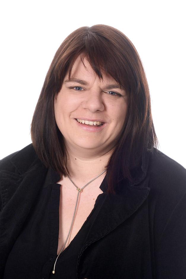 Martina Klöckner, Pfarrsekretärin